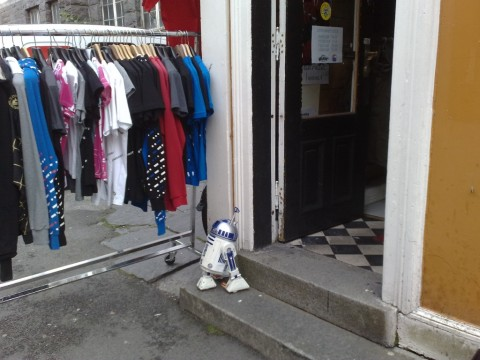 R2D2 Watching