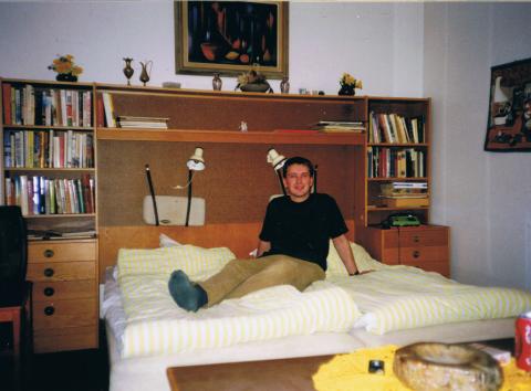 weirdhotelroom2